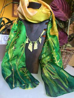 Pañuelo de seda. Pintado a mano. Flores de cardo. #exclusivo #seda # elgatodesesa #taller Nathalie Rousselet.