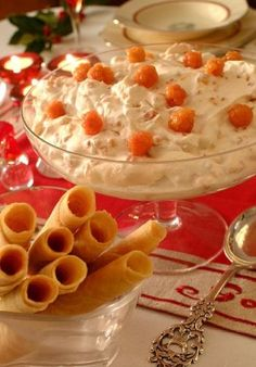 Norwegian Christmas, Norwegian Food, Scandinavian Food, Quiche Lorraine, Pudding Desserts, Everyday Food, I Love Food, Fresh Fruit, Tiramisu