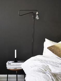 Black bedroom wall - via Coco Lapine Design.love the lamp Home Bedroom, Bedroom Wall, Bedroom Decor, Bedrooms, Budget Bedroom, Bedroom Black, Bedroom Lighting, Bedroom Ideas, Bedside Lighting