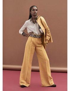 Vuoi essere cool per questo autunno in arrivo? E allora vestiti di giallo...ma con eleganza! #spytwins #spyfashion #spybeauty #fashion #trends #art #design #yellow