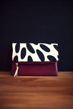 kleine Tasche mit Muster, Baumwolle und Leder // leather, cotton clutch via DaWanda.com