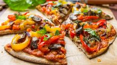 How to Make Your Delicious Vegan Pizza More Delicious? Pizza Vegana, Peppers Pizza, Pizza And More, Low Carb Pizza, Pizza Pizza, Diabetic Friendly, Unique Recipes, Light Recipes, Easy Cooking
