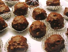 Ferrero Rocher, Death By Chocolate, Party Desserts, Creative Food, How To Make Cake, Yams, Truffles, Muffin, Yummy Food