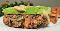 Croquettes végé croustillantes au quinoa et haricots noirs Sloppy Joe, Couscous Quinoa, Cooking Recipes, Healthy Recipes, Healthy Foods, Nutrition, Tofu, Vegan Vegetarian, Tacos
