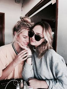 My bestie 4 life 😘😍 Redhead Girl, Brunette Girl, Pretty Blonde Girls, Foto Top, Bff Pictures, Best Friend Pictures, Best Friend Goals, Best Friends Forever, Photography Poses