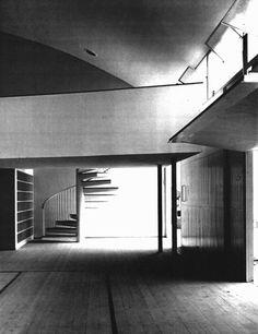 Affonso E. Reidy, Escola Primária do Conjunto Residencial Prefeito Mendes de Moraes — Pedregulho, 1947-1950. Interior do ginásio. (Fonte: Núcleo de Documentação e Pesquisa – UFRJ. Foto de Marcel Gautherot)