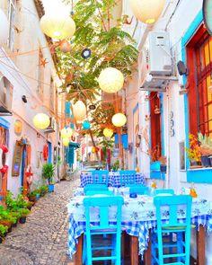 Alacati - Izmir,Turkey // Photo by ILKGUL MENZIL (@ilkgulmenzil )