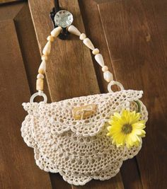 Darling Doily Purse. Might skip the handles and make the flap a little longer for a nice clutch