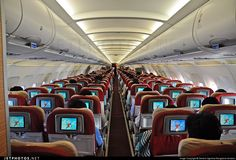 Forgotten airline. #Kingfisher Airbus A321-232 VT-KFW long long all economy cabin