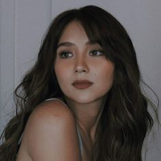 Graduation should be celebrated as the day of success, a long and challenging process. Creative Shot For Graduation, Kathryn Bernardo Hairstyle, Filipino, Filipina Actress, Graduation Makeup, Head & Shoulders, Cute Beauty, Bad Girl Aesthetic, Glam Makeup