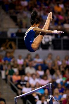 Gabby Douglas is amazing doing gymnastics I love waching gymnastics for the oympics, some day I dream to be a professional gymnast Gymnastics Tricks, Gymnastics Team, Gymnastics Pictures, Artistic Gymnastics, Olympic Gymnastics, Rhythmic Gymnastics, Olympic Games, Cheerleading, Women's Gymnastics