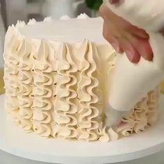 Cake Decorating Frosting, Cake Decorating Videos, Cake Decorating Techniques, Cookie Decorating, Decorating Ideas, Simple Cake Decorating, Cake Frosting Designs, Cookie Cake Designs, Cake Decorating Designs