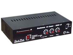 Sequencial 12 Canais 2000W por Canal, Áudio-Rítmico, Bivolt: R$ 320.  Carga total 24000W em 220V, 14 programas, controle de velocidade,  strobo, dimmer, conexão de som, rítmica inteligente.  Comprar em http://www.aririu.com.br/sequencial-12-canais-2000w-por-canal-audioritmico-bivolt_24xJM