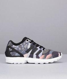 0d52a3534fbd8 Sneakers noires imprimées héron Zx Flux W Adidas Originals prix promo  Baskets Femme Monshowroom 100.00 €
