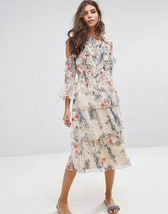 Miss Selfridge - Robe à volants et imprimé floral
