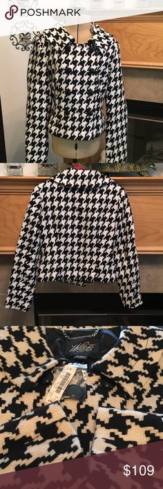 """WHITE HOUSE/BLACK MARKET JACKET-SIZE 6-NWT NEW WITH TAGES-SIZE 6-DOUBLE BREASTED-BEAUTIFUL NECK LINE-FROM ARMHOLE TO ARMHOLE IS ABOUT. 18""""-LENGTH IS ABOUT 19""""-60% VISCOSE-40% WOOL-LINING-100% POLYESTER White House Black Market Jackets & Coats Blazers"""