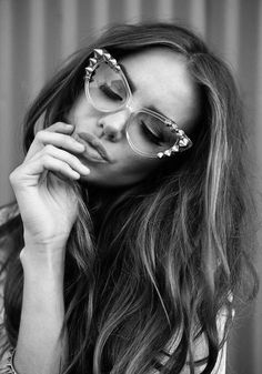 #blackandwhite and lunettes... http://rstyle.me/n/e6n4cnqmn