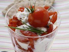 Kräuterquark mit Tomaten ist ein Rezept mit frischen Zutaten aus der Kategorie Fruchtgemüse. Probieren Sie dieses und weitere Rezepte von EAT SMARTER!