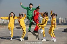 Girl Group T-ARA Surpass 8 Million Views On Chinese Video Site Youku With 'Little Apple' [VIDEO] http://www.kpopstarz.com/articles/142367/20141126/girl-group-t-ara-surpass-8-million-views-on-chinese-video-site-youku-with-little-apple-video.htm