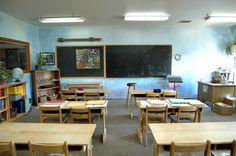 waldorf classroom-beautiful  I wish I had wooden desks