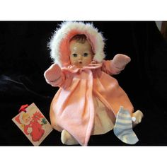 GORGEOUS Effanbee Dy-Dee Doll Lou Eiderdown Coat & Bonnet- Collar has little fraying on the underside stay which shows on the front of the collar a little Human Doll, Effanbee Dolls, Blue Daisy, Doll Shop, Old Dolls, Vintage Toys, Baby Baby, Mittens, Boudoir