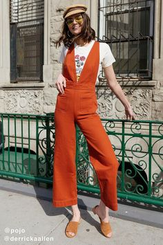 Shop UO Eleanor Plunging Denim Jumpsuit at Urban Outfitters today. We carry all the latest styles, colors and brands for you to choose from right here. 70s Fashion, Look Fashion, Urban Fashion, Vintage Fashion, Fashion Outfits, Womens Fashion, Fashion Trends, Teen Fashion, Fashion Inspiration