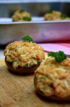 Champignons farcis au jambon et fromage - Amandine Cooking - - Great Appetizers, Appetizer Recipes, Mini Foods, Pasta, Deviled Eggs, Salmon Burgers, Baked Potato, Carne, Great Recipes