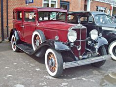 Vintage Cars, Antique Cars, News 8, Motor Company, Tractor, Cars And Motorcycles, Cool Cars, Classic Cars, Automobile