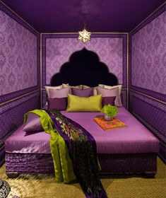 Just to give my boyfriend an idea of what Lime and purples look like together in the bedroom!