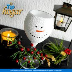 Copas de muñeco de Nieve.  ¿Quieres darle un nuevo toque a la decoración de tu mesa? Estas copas de muñeco de nieve son una opción original. En Walmart SIEMPRE encuentras TODO y pagas menos.