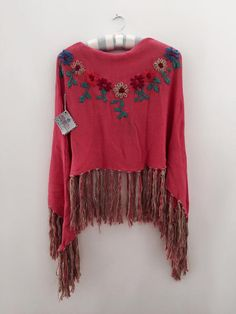 Crochet Poncho, Crochet Tops, Mexican Fashion, Old T Shirts, Refashion, Embroidery Designs, Shawl, Winter Outfits, Capelet