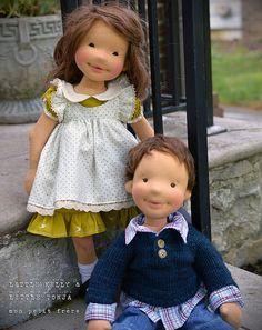 Kelly&Tonja--handmade natural fiber dolls by Mon Petit Frère Pretty Dolls, Cute Dolls, Beautiful Dolls, Cupcake Dolls, Sewing Dolls, Waldorf Dolls, Soft Dolls, Diy Doll, Fabric Dolls