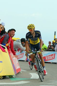 MONT VENTOUX, FRANCE - JULY 14: Alberto Contador of Spain and Team Saxo-Tinkoff climbs the final bend during stage fifteen of the 2013 Tour de France, a 242.5KM road stage from Givors to Mont Ventoux, on July 14, 2013 on Mont Ventoux, France. (Photo by Bryn Lennon/Getty Images)