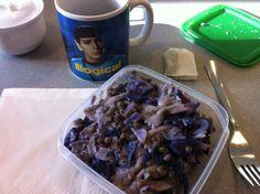 Johanna ist diese Woche wieder mit dabei und erfreut uns neben Vollkornnudeln mit dieser wunderschönen Mr. Spock-Tasse :)
