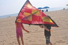 How is parenting like flying a kite? Read this beautiful metaphor #CRBlog