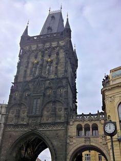 La Ciudad Nueva es una ampliación de la Ciudad Vieja que data del siglo XIV.