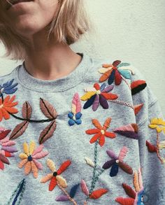 The Latest Trend in Embroidery – Embroidery on Paper - Embroidery Patterns Embroidery On Clothes, Paper Embroidery, Embroidered Clothes, Embroidery Fashion, Embroidery Dress, Embroidery Stitches, Sweater Embroidery, Simple Embroidery, Learn Embroidery