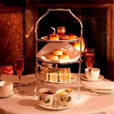 Browns Hotel: The English Tea Room – serves one of the most famous afternoon teas in London and a selection of lighter meals throughout the day with a gluten-free option available on request.