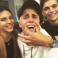 Someone is Making Justin Bieber Smile In Selfie With Kendall Jenner ... But It's Not Kendall - http://oceanup.com/2015/09/25/someone-is-making-justin-bieber-smile-in-selfie-with-kendall-jenner-but-its-not-kendall/