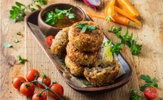 SNOEK FISHCAKES - Prepare these fishcakes using lightly smoked snoek or even leftover snoek from the braai – the flavour of this uniquely South African fish is unrivalled. South African Recipes, Ethnic Recipes, Fishcakes, Cooking Classes, Salmon Burgers, Kids Meals, Seafood, Food Ideas, Easter