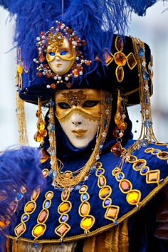 Moveable art via My Venetian Mask. Someday I would like to have a full costume and attend the Masked Ball / Carnival in Venice.