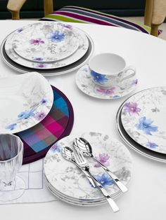 The skillfully drawn patterns add a touch of class to this premium porcelain tableware. At the same time, the unique color combination for this country-style tableware is a real eye-catcher. Learn more on Mariefleur Gris here: www.vibo.info/fb_Mariefleur