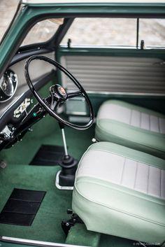 Morris Mini-Minor interior