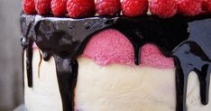 Sernik amaretto z musem malinowym Impreza, Cheesecake, Food, Cheesecakes, Essen, Meals, Yemek, Cherry Cheesecake Shooters, Eten
