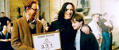 """David Thewlis on the left, Alan Rickman hugging Daniel Radcliffe on Rickman's last day filming the """"Harry Potter"""" series Harry Potter Pictures, Harry Potter Love, Harry Potter Universal, Harry Potter Fandom, Harry Potter Characters, Harry Potter World, Harry Potter Memes, Pijamas Harry Potter, Hogwarts"""