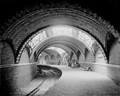 City Hall Subway Station, New York, photographed by the Detroit Publishing Company around 1900 on 8x10 glass plate negative. Repair work going on in background.