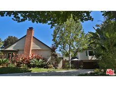 2678 ANCHOR AVE, #LosAngeles, CA 90064 (MLS # 14798667)  Price $1,829,000 Status Active Beds 3 Baths 3 full, 1 half Home size 2,293 sq ft Lot Size 7,922 sqft