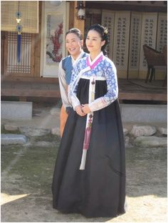 Chejungwon(Hangul:제중원;hanja:濟眾院) is a 2010 South Koreanperiodmedical dramatelevision series about the establishment ofJejungwonin 1885, the first modern Western hospital in theJoseon Dynasty. StarringPark Yong-woo,Han Hye-jinandYeon Jung-hoon, it aired onSBS. Chejungwonwas founded inSeoulin 1885, and is known as the first Western medical institution inKorea.