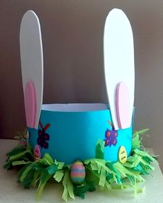 Easy Easter bonnet ideas for boys & girls will ensure your child has a fun Easter hat for the Easter parade, with easy make or buy bonnet ideas for Boys Easter Hat, Easter Bonnets For Boys, Easter Hat Parade, Easter Bunny, Easter Eggs, Happy Easter, Easter Arts And Crafts, Easter Projects, Easter Ideas
