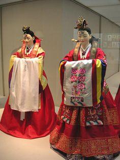 Korean museum displaying Korean Wedding Hanbok